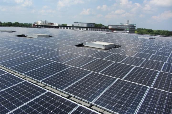 Awizon levert zonnepanelen project Martiniplaza op